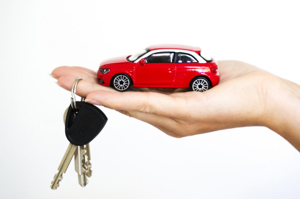 Read more about the article Co trzeba wiedzieć by wynająć samochód?
