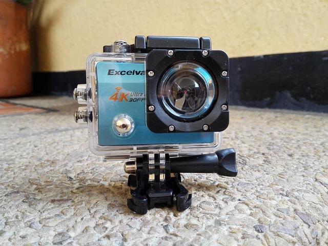 Read more about the article Profesjonalne kamery sportowe montowane na kaskach